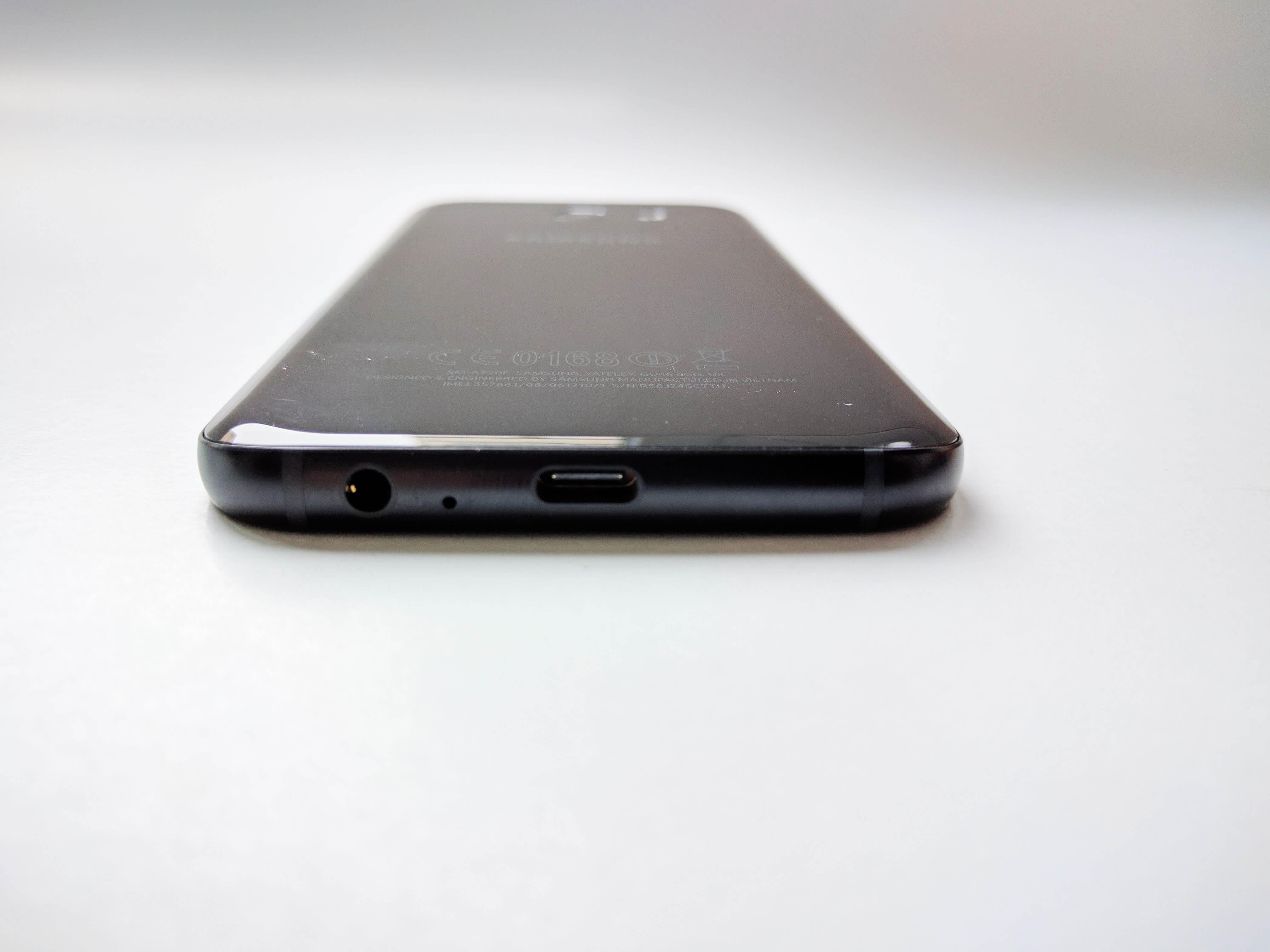 Samsung Galaxy A5 (2017) Review Romana - Foto 3