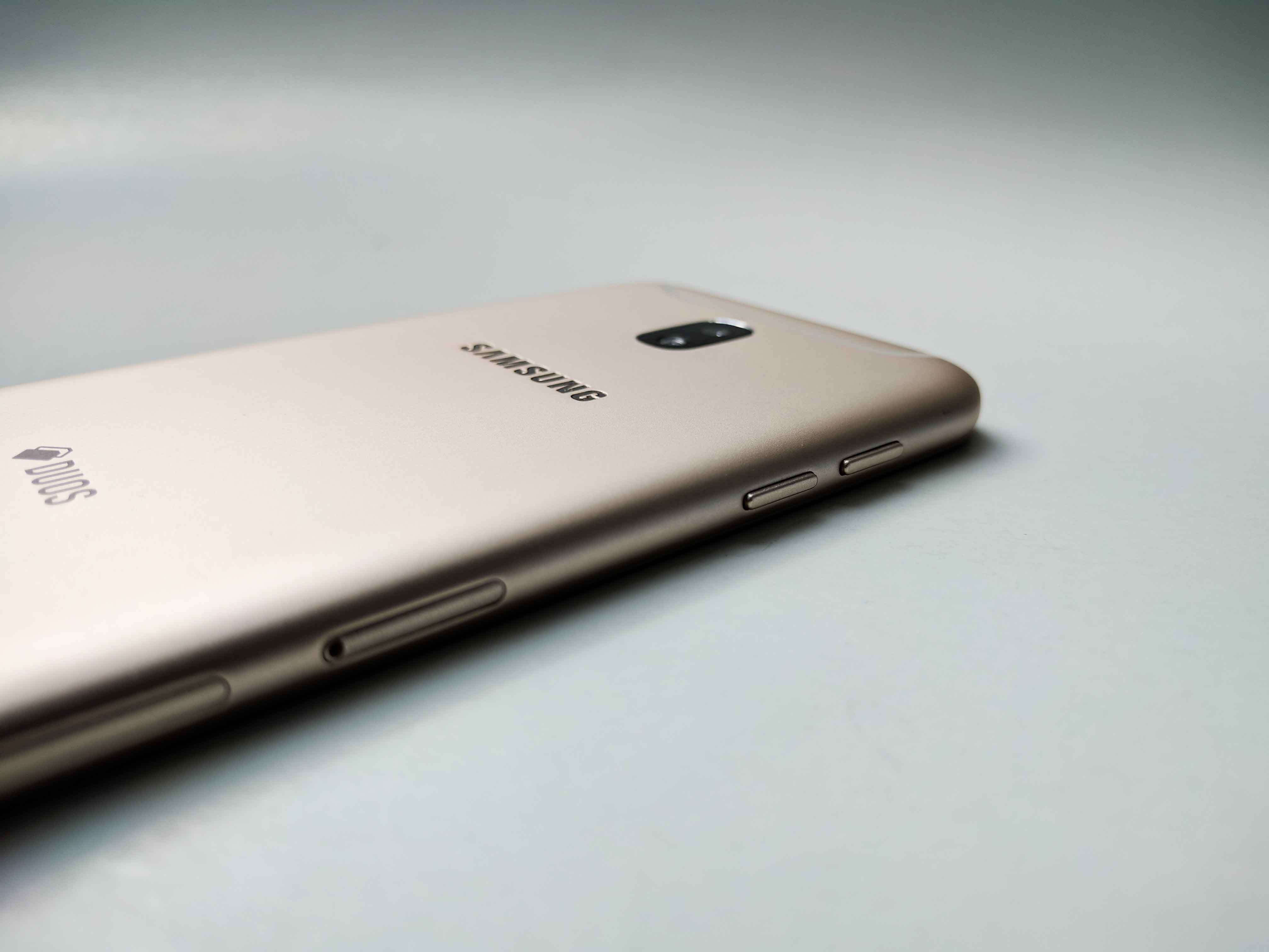 Samsung Galaxy J5 (2017) Review Romana, Pareri - foto 6