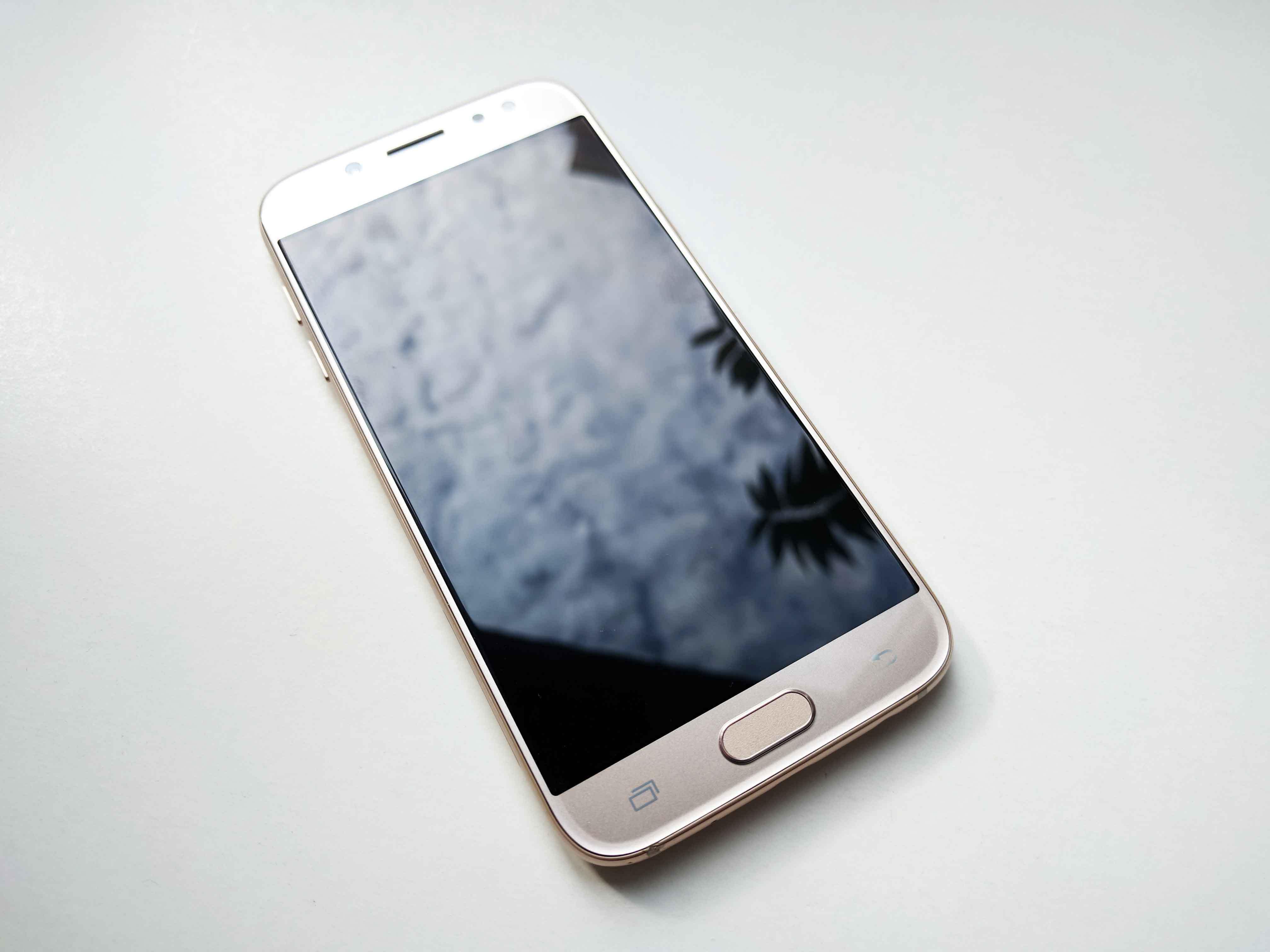 Samsung Galaxy J5 (2017) Review Romana, Pareri - foto 2
