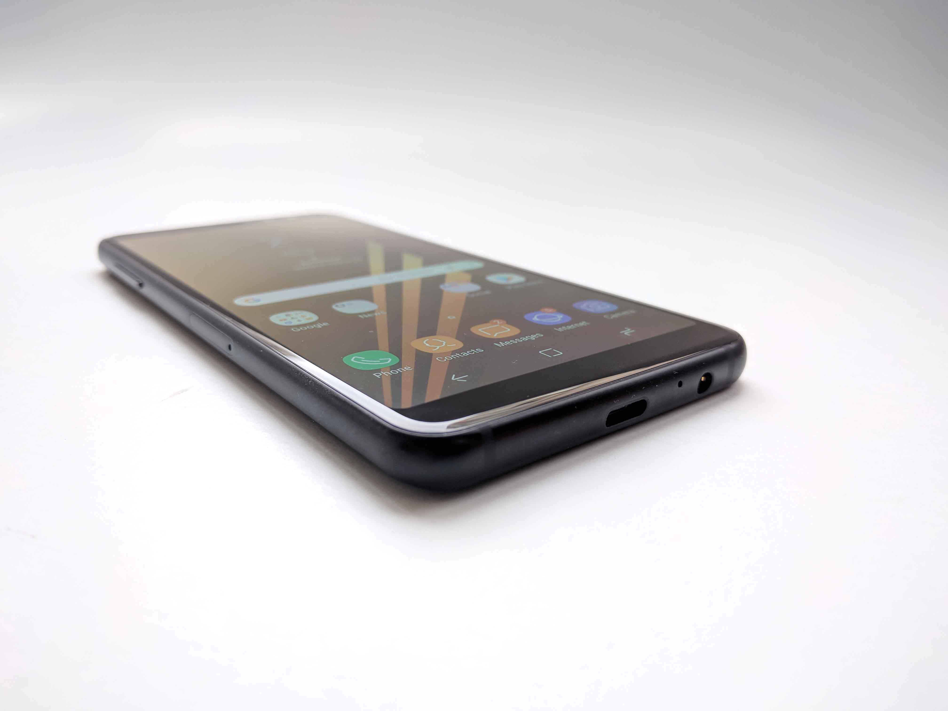 Samsung Galaxy A8 (2018) Review Romana - Foto 5