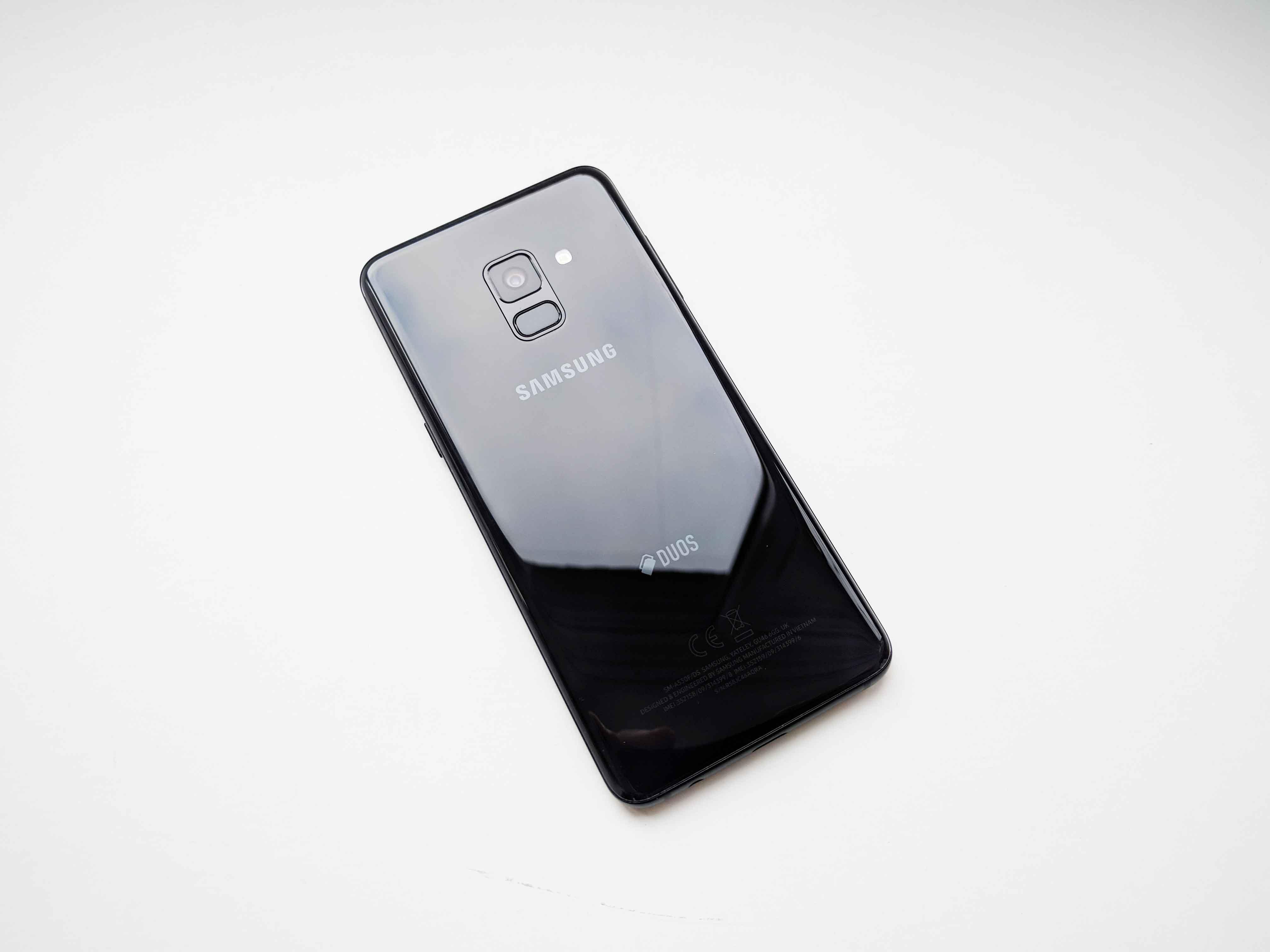 Samsung Galaxy A8 (2018) Review Romana - Foto 3