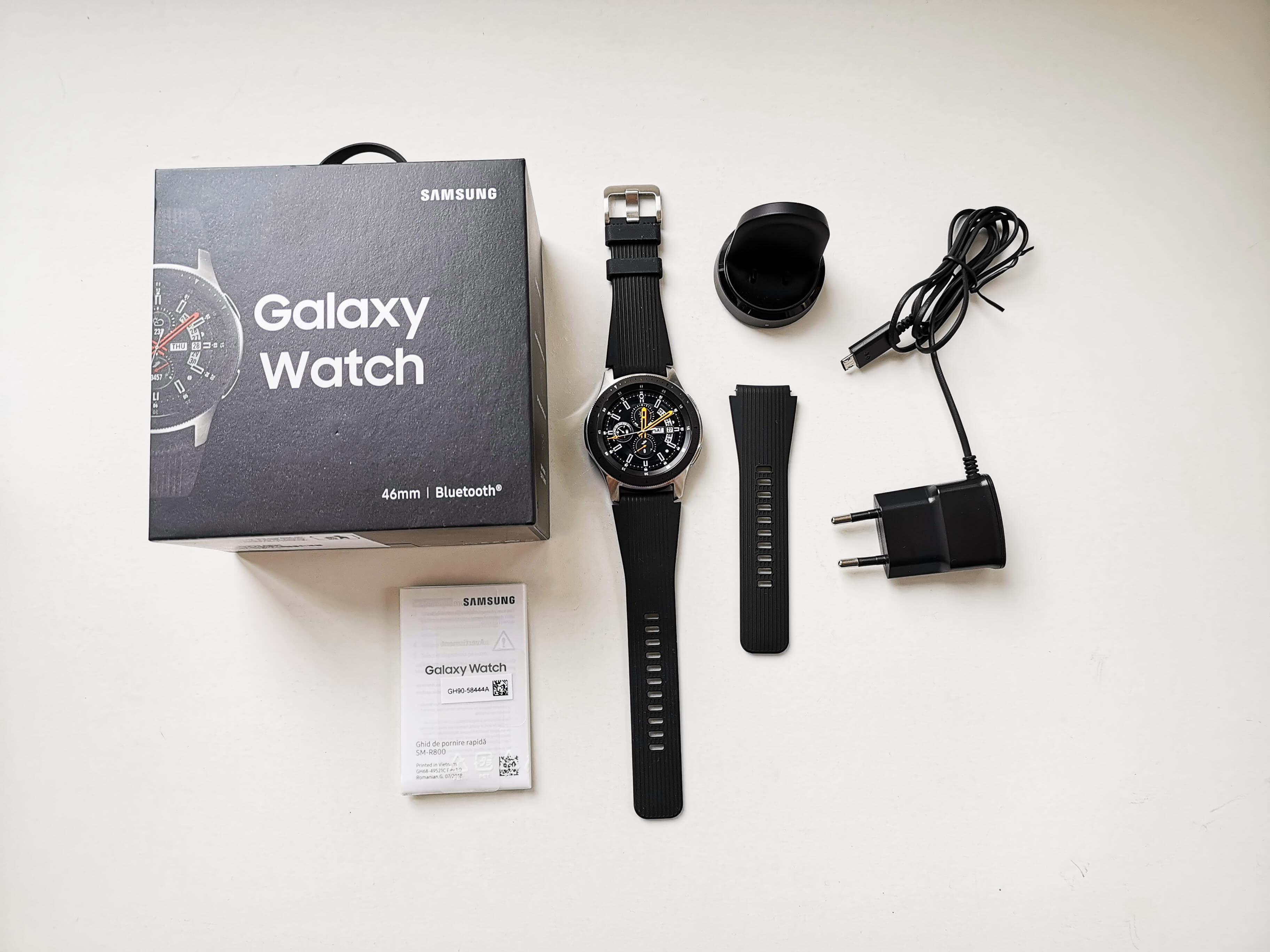 Samsung Galaxy Watch Review Romana si Pareri - Ambalaj si Accesorii