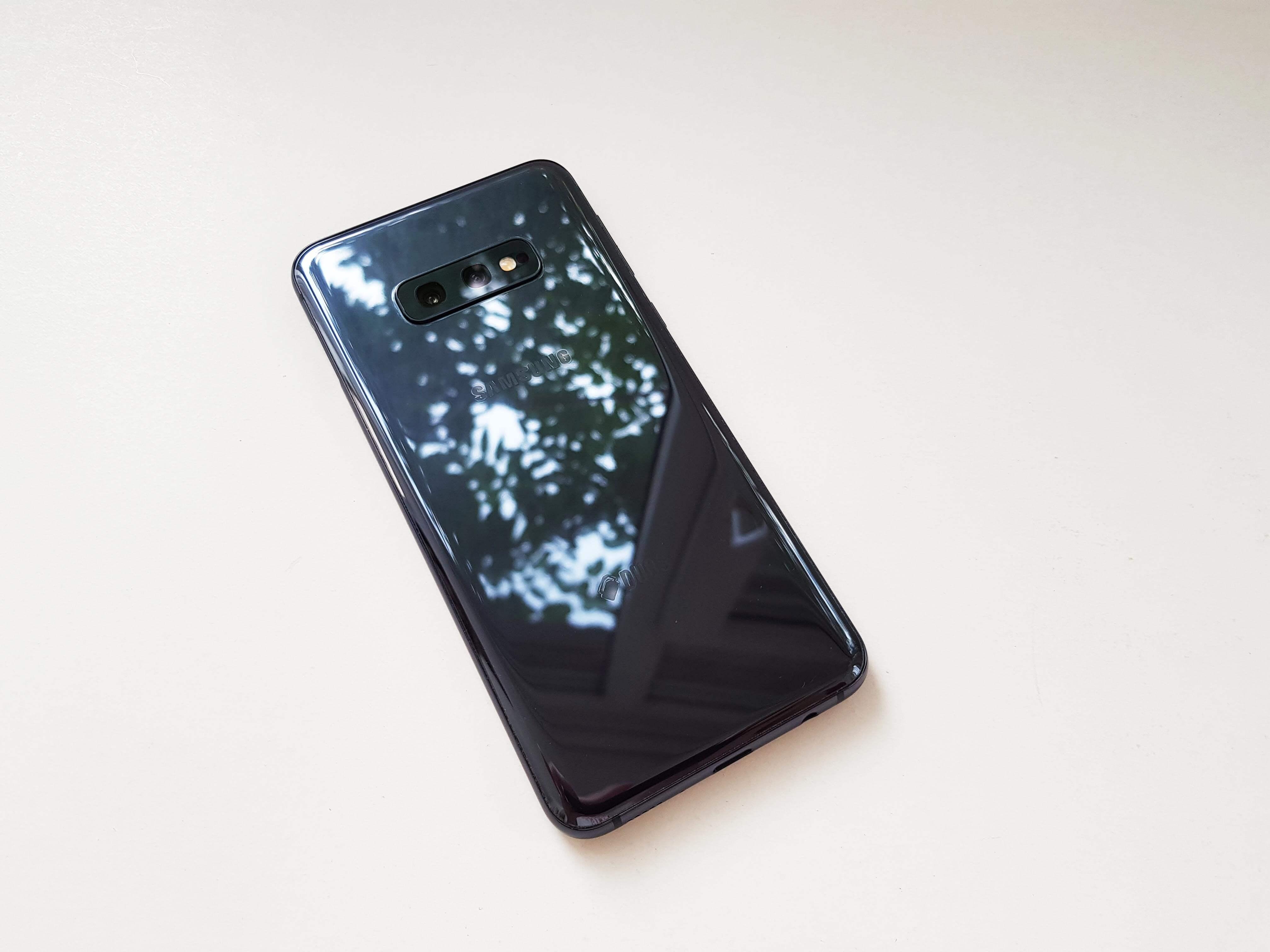 Samsung Galaxy S10e Review Romana si Pareri - Foto 5