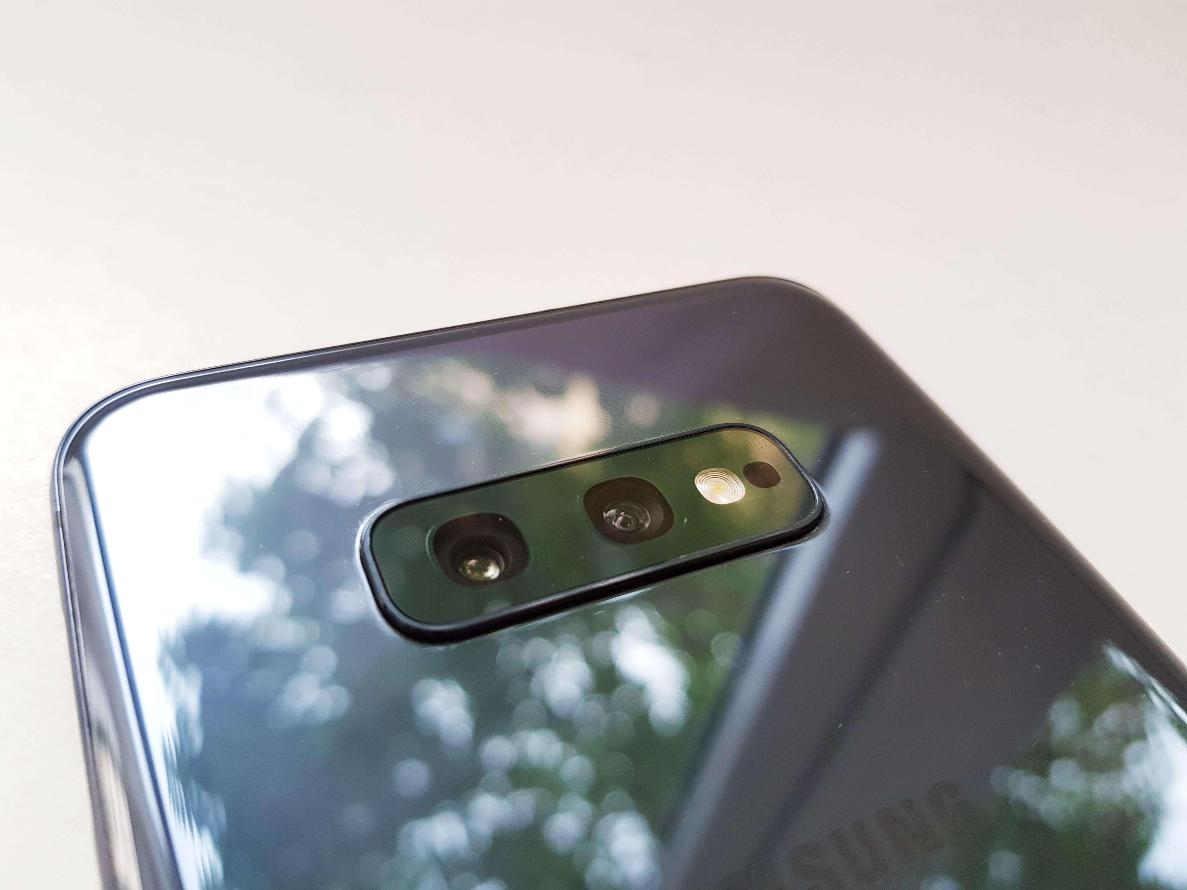 Samsung Galaxy S10e Review Romana si Pareri - Foto 6