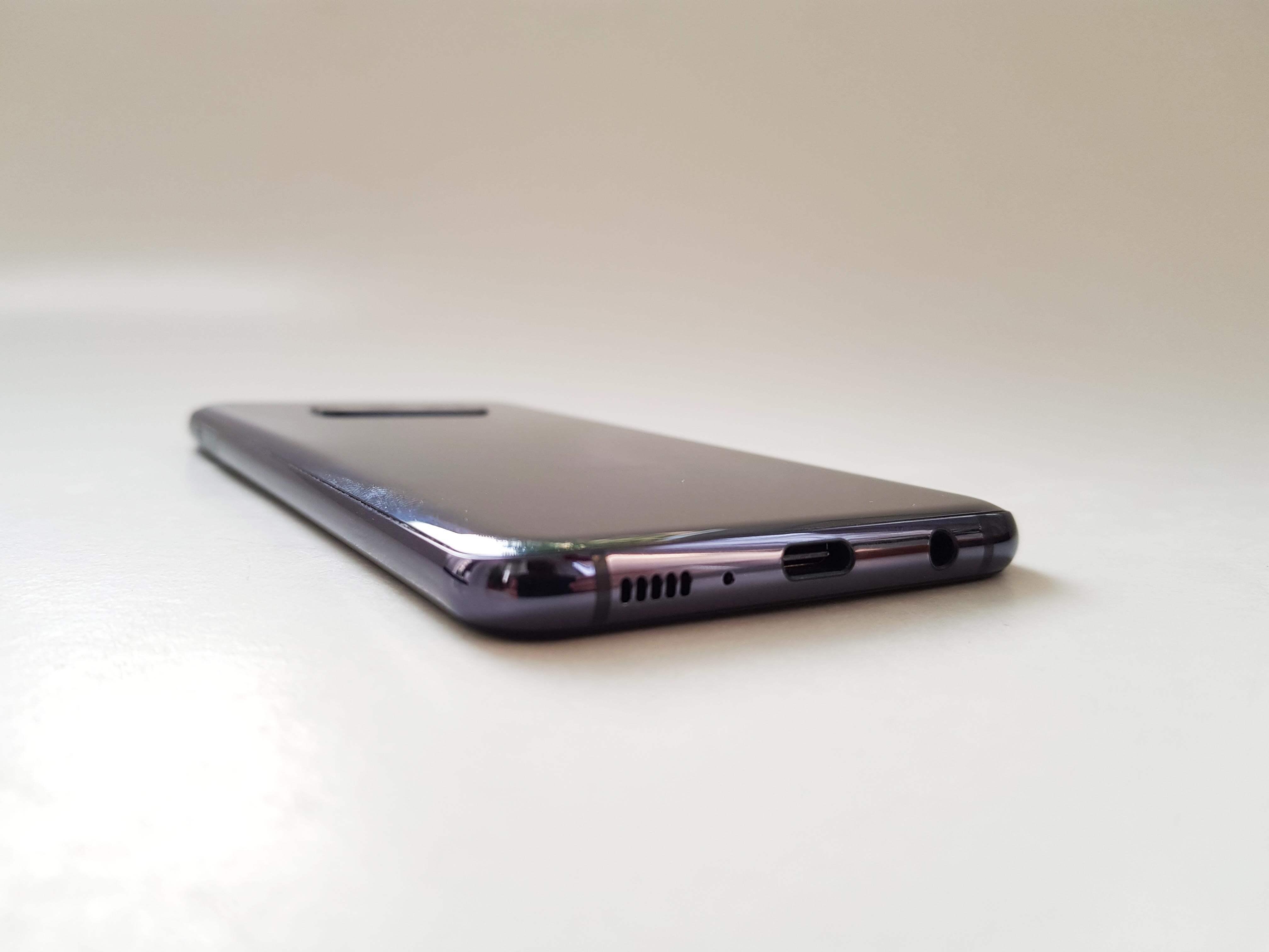 Samsung Galaxy S10e Review Romana si Pareri - Foto 7
