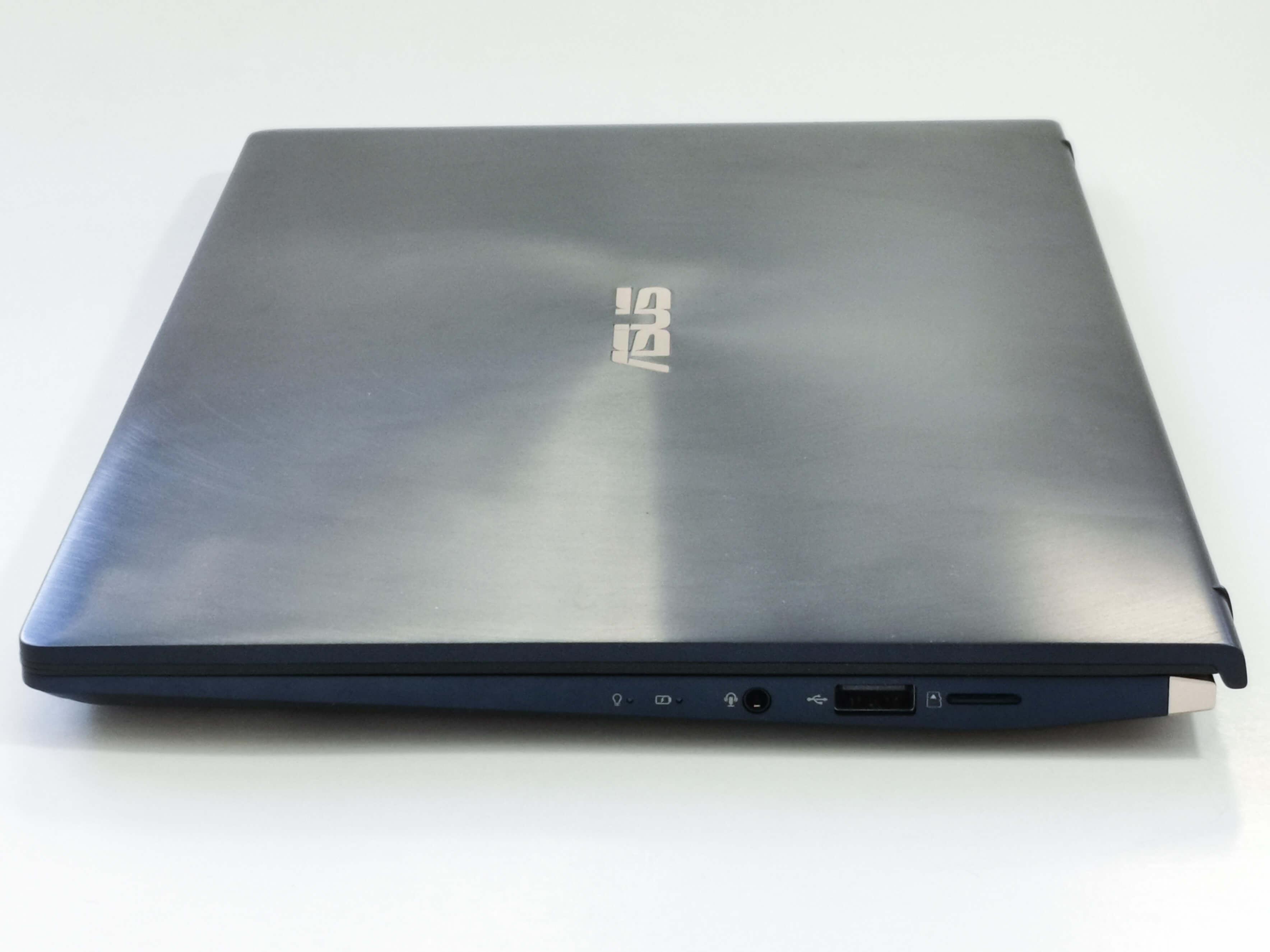 ASUS Zenbook 14 UX434FL Review Romana si Pareri - Foto 5