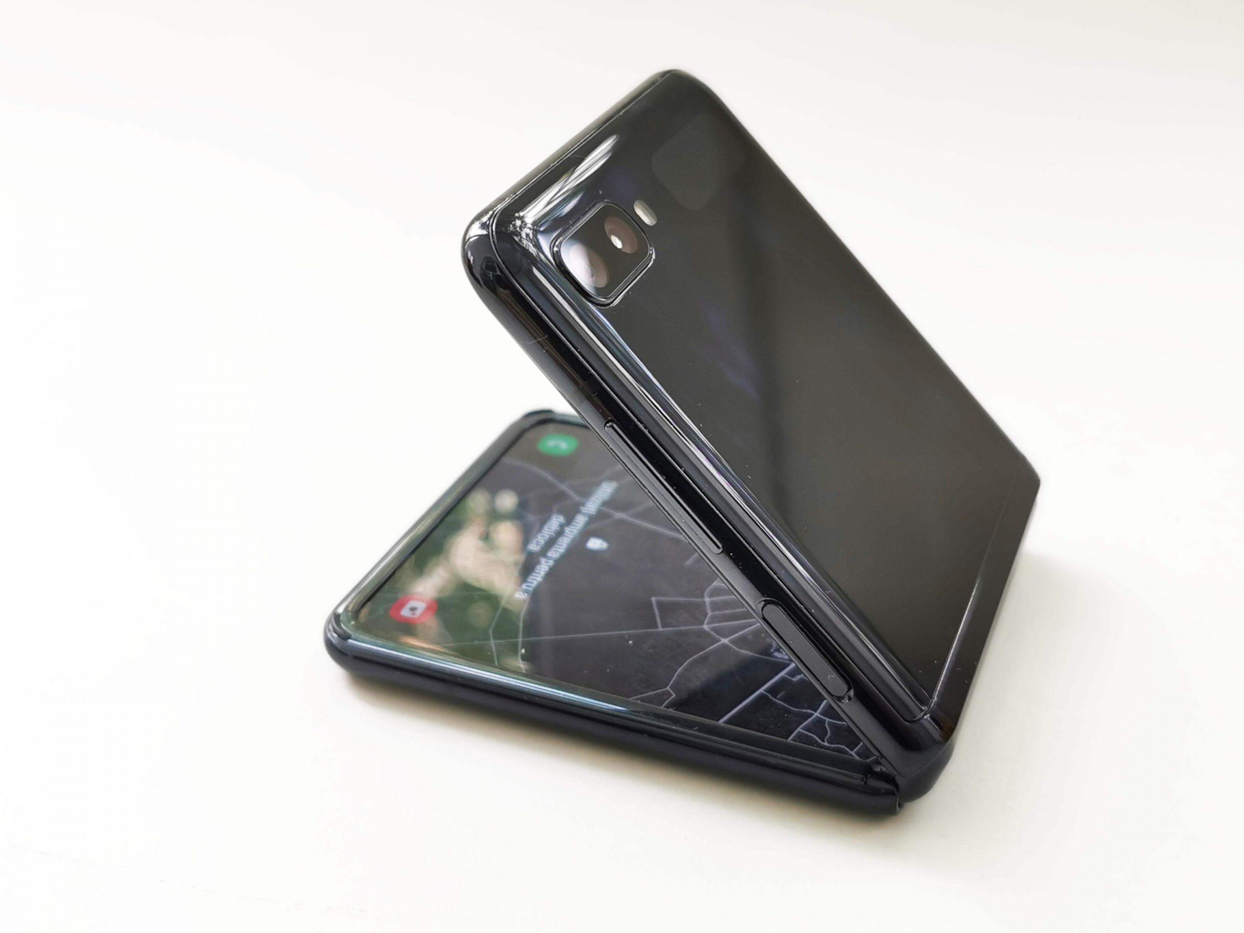Samsung Galaxy Z Flip Review Romana si Pareri - Foto 9