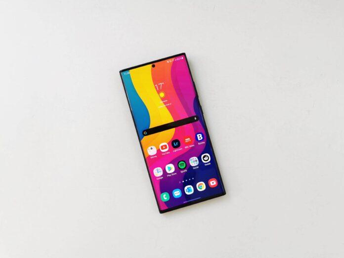 Cat tine baterie pe Samsung Galaxy Note20 Ultra