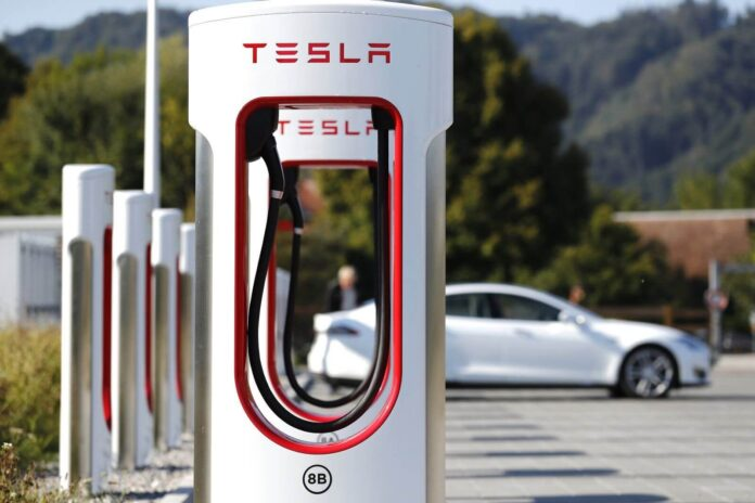 Locatii statii de incarcare Tesla Supercharger in Romania!