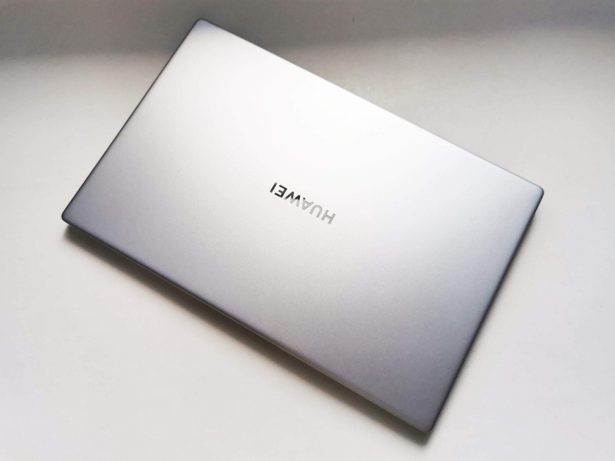 Huawei MateBook D 15 2021 Review Romana 1