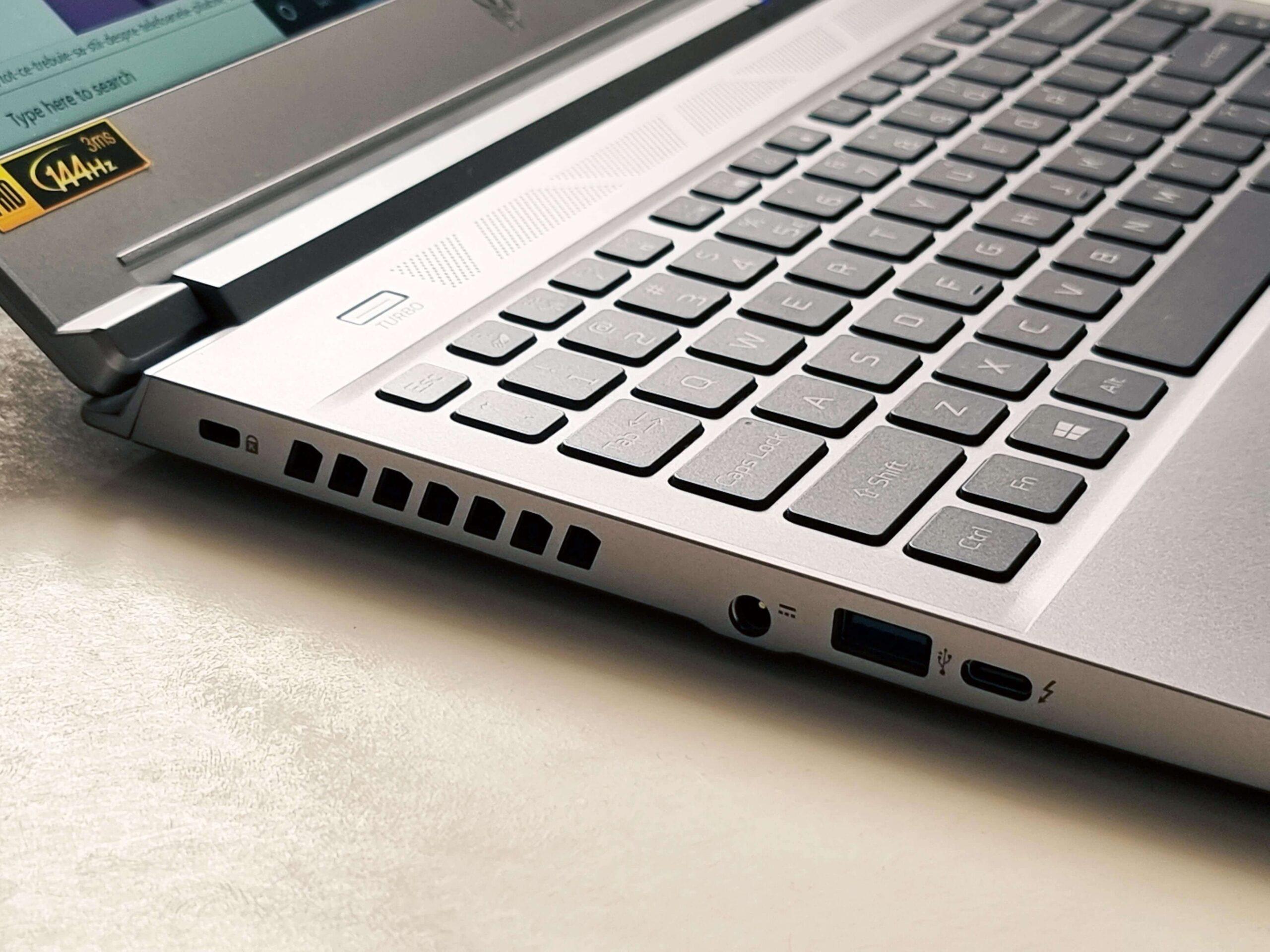 Acer Predator Triton 300 SE Review Romana si Pareri - 2